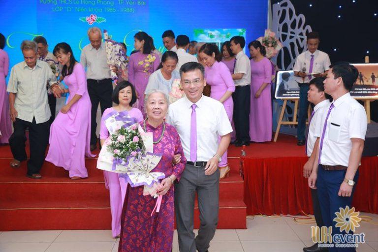 Tổ chức họp lớp kỷ niệm 30 năm ra trường - THCS Yên Bái 12