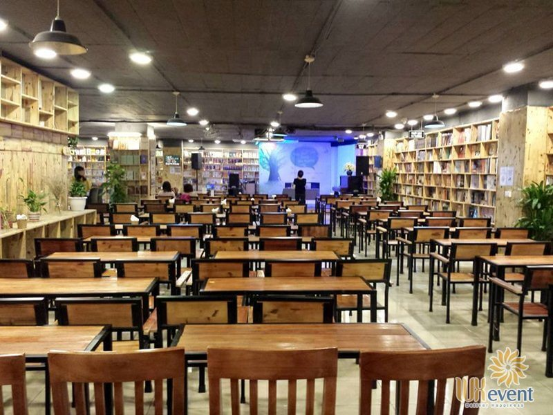 Quán cafe tổ chức họp báo, ra mắt sách Cafe sách Đông Tây
