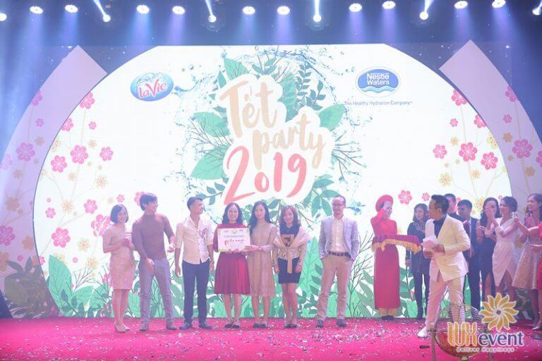 tổ chức tiệc tất niên cuối năm công ty tnhh lavie 010