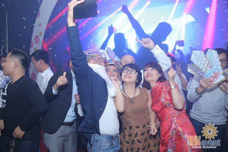 tổ chức tiệc tất niên cuối năm công ty tnhh lavie 014
