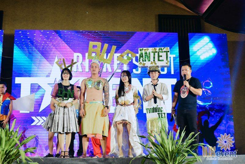 ý tưởng tổ chức tiệc cuối năm vui nhộn theo concept Vietnam's Got Talent