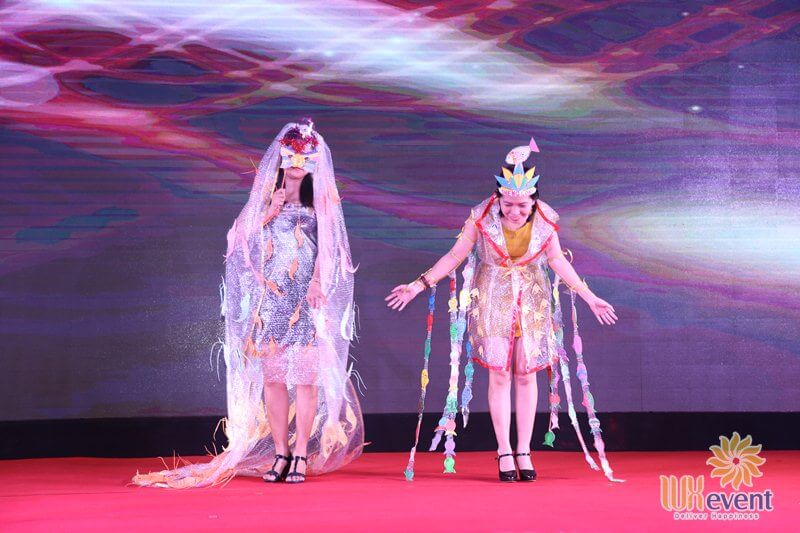 Tổ chức tiệc tất niên cuối năm với ý tưởng Vietnam's Next Top Model