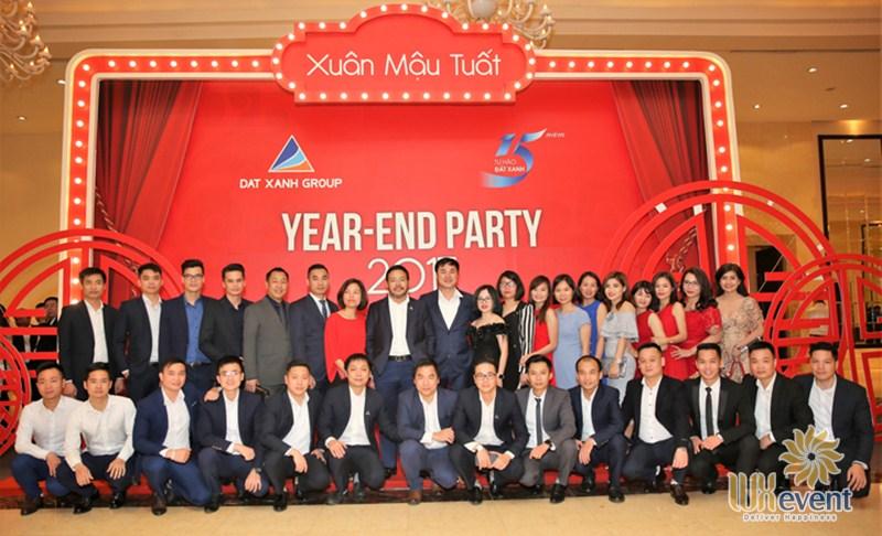 Tiệc tất niên tiếng Anh là Year End Party