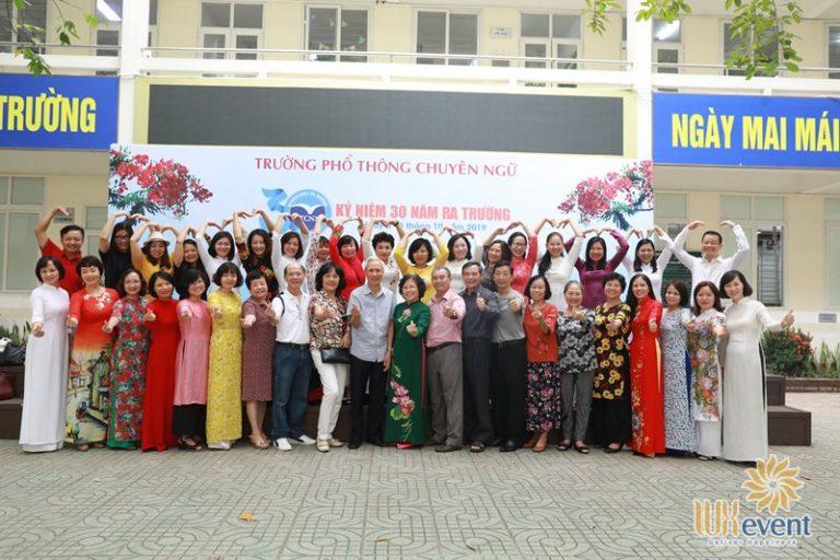 tổ chức họp khóa k18 thpt chuyên ngữ 012