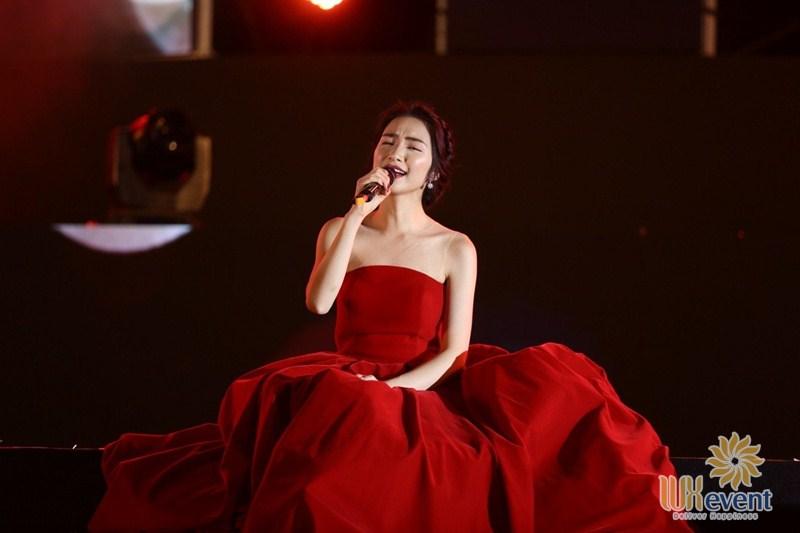 những ca sĩ trẻ hát nhạc bolero Hòa Minzy