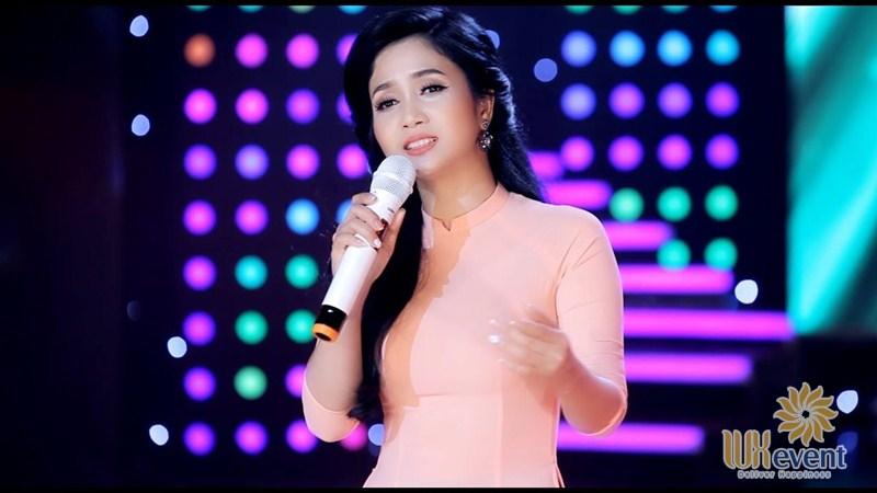 ca sĩ trẻ hát nhạc vàng Phương Anh Bolero
