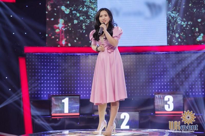 nữ ca sĩ hát nhạc trẻ Thùy Chi