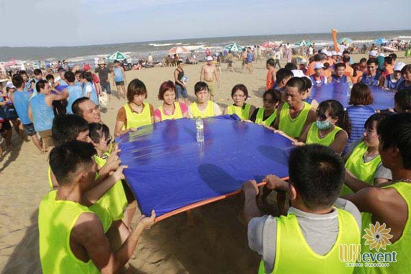 các trò chơi team building ngoài biển Cân Bằng tuyệt đối