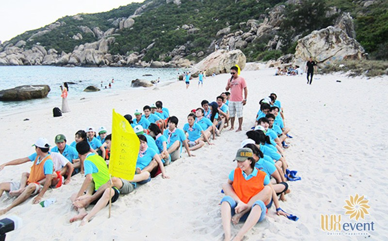 Địa điểm tổ chức team building Nha Trang ở bãi Nôm