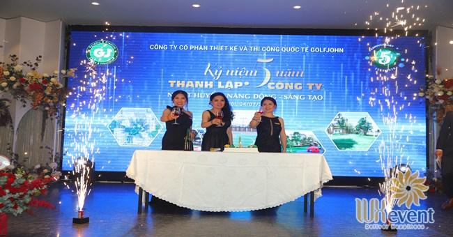 tổ chức lễ kỷ niệm 5 năm thành lập công ty Golfjohn 002