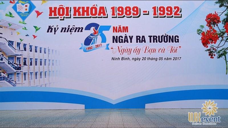 thiết kế backdrop sự kiện họp lớp