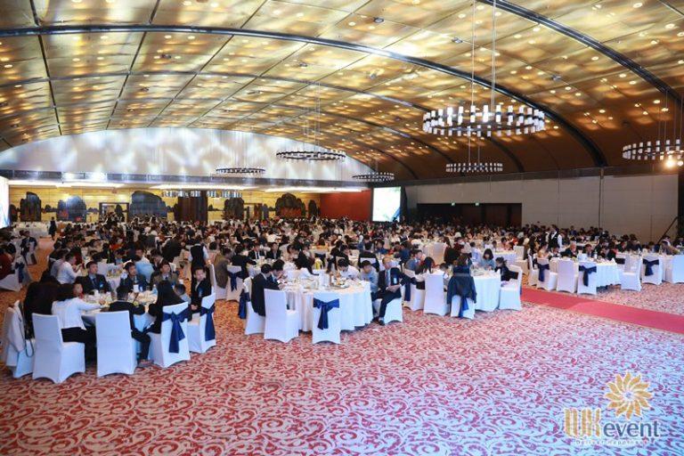 tổ chức gala dinner tri ân khách hàng