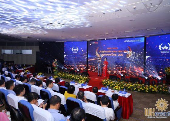 tổ chức hội nghị biểu dương điển hình tiên tiến Trung tâm mạng lưới Mobifone miền Bắc 018