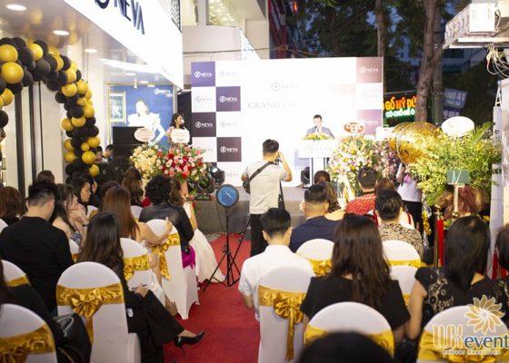 Tổ chức khai trương showroom thời trang NEVA 013