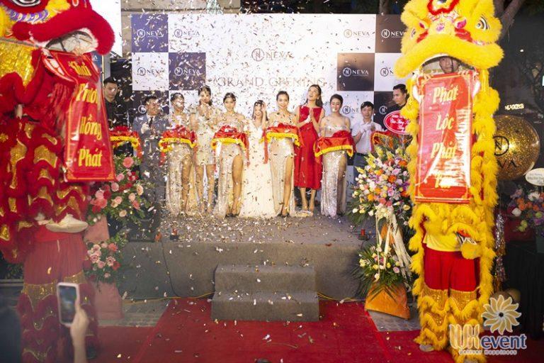 tổ chức khai trương showroom trọn gói tại Hà Nội