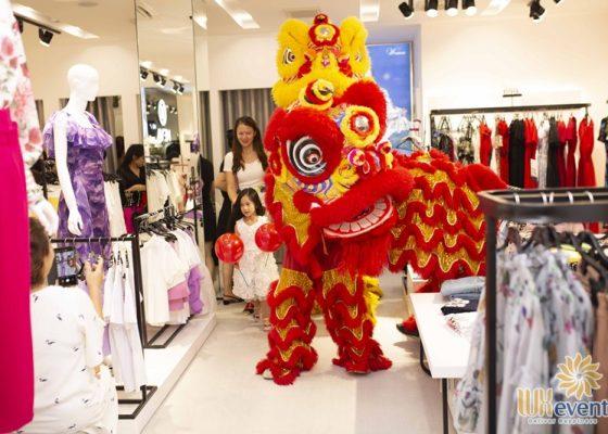 Tổ chức khai trương showroom thời trang NEVA 007