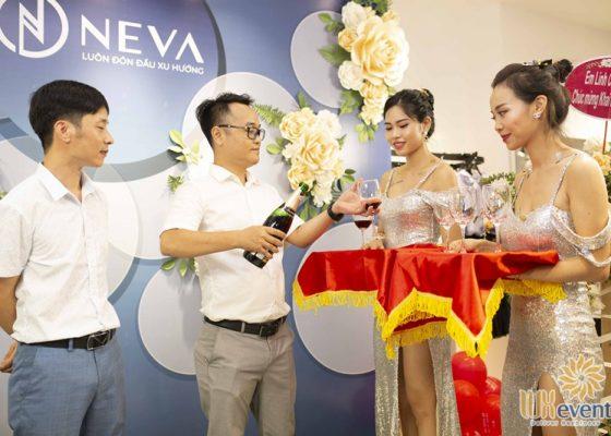 Tổ chức khai trương showroom thời trang NEVA 015