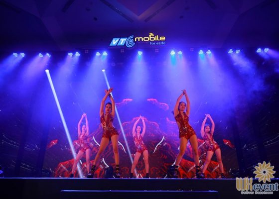 tổ chức lễ kỷ niệm 10 năm thành lập công ty VTC Mobile 019