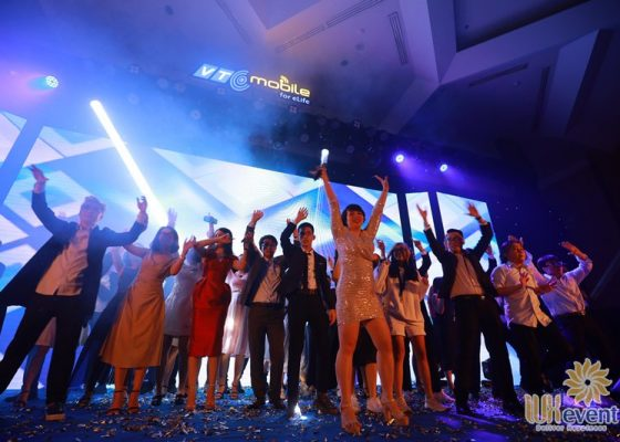 tổ chức lễ kỷ niệm 10 năm thành lập công ty VTC Mobile 011