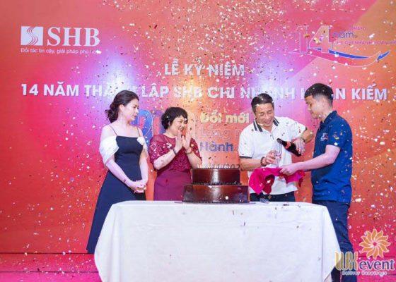tổ chức lễ kỷ niệm thành lập chi nhánh SHB Hoàn Kiếm 019