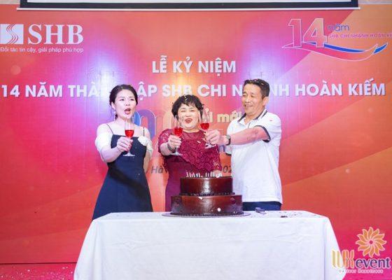 tổ chức lễ kỷ niệm thành lập chi nhánh SHB Hoàn Kiếm 008