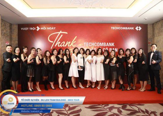 to-chuc-tiec-tat-nien-cuoi-nam-ngan-hang-techcombank-khoi-quan-tri-nguon-nhan-luc-002