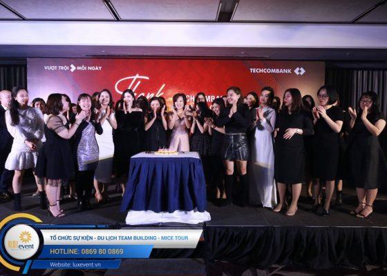 tiệc tất niên cuối năm Techcombank HR Division 016