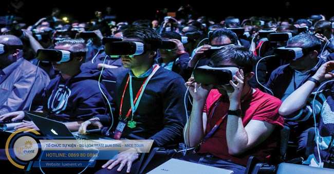 tổ chức virtual event